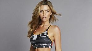 Аби Кланси представя новите модели фитнес облекла на Reebok