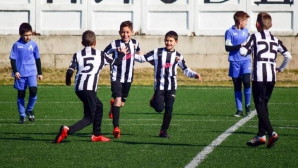Детски отбори на Локо (Пд) играят на турнир в Дюселдорф с европейски грандове