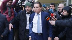 Кирил Домусчиев: Възможно е да се връщат клубове по административен път