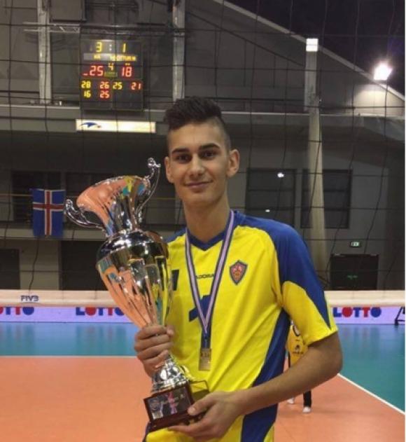 Млад български волейболист прави фурор в Исландия