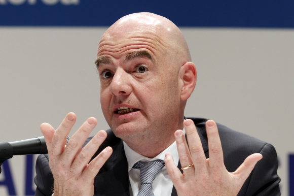 Джани Инфантино: Европа да дари ненужните пари на бедни федерации