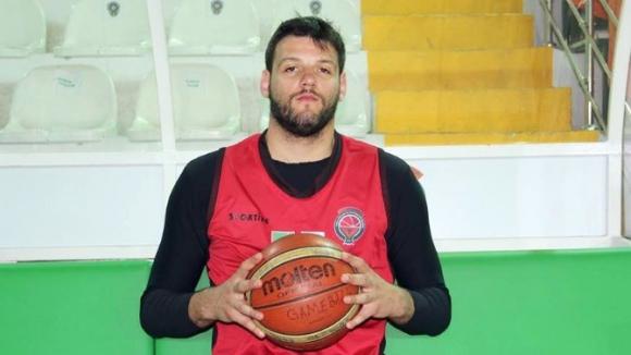 Деян Иванов игра 35 минути при загуба на Йешилгиресун Беледиеспор