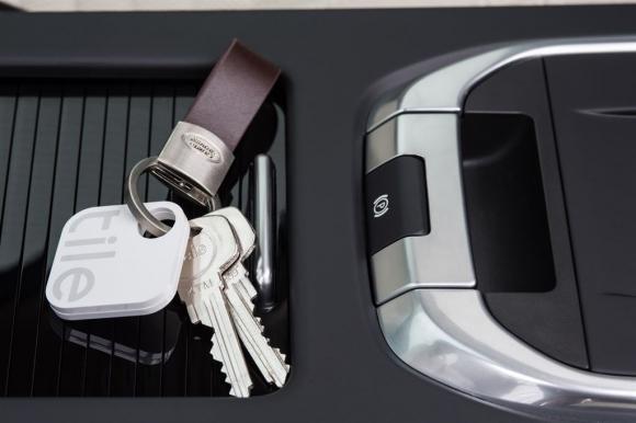 Семейният SUV, който никога не забравя – обновеният Land Rover Discovery Sport