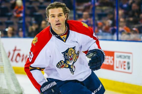 Легендата Ягър ще играе поне още един сезон в НХЛ