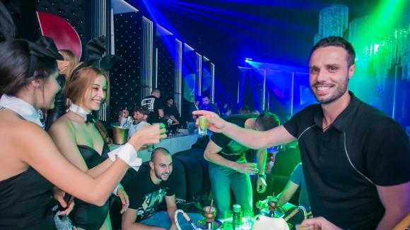 Салпаров купонясва с Анелия