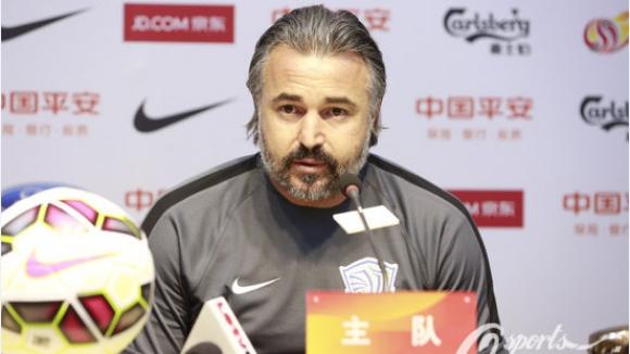 Китайската футболна лига иска повече български треньори и играчи