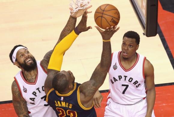 Торонто нанесе първа загуба на Кливланд в плейофите