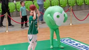 """Талисманът Зеленко и Балкан призоваха феновете да се включат в """"Да изчистим България заедно"""""""