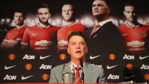 Юнайтед приравни уволнението на Ван Гаал с Панамската афера