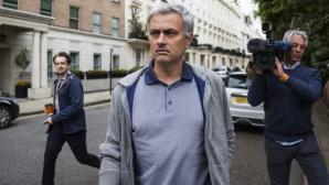 Жозе Моуриньо е приел условията на Манчестър Юнайтед