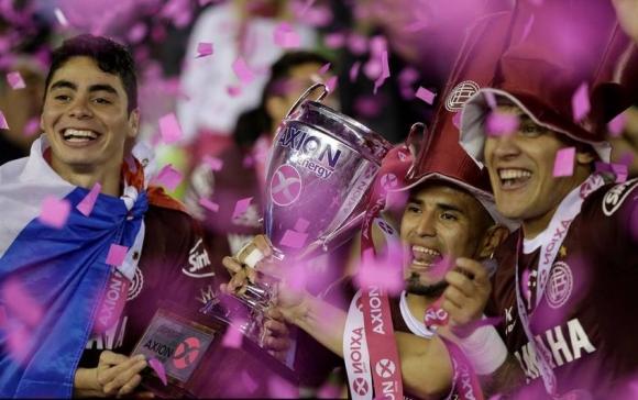 Ланус спечели за втори път титлата в Аржентина