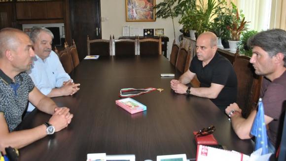 Кметът на Русе се срещна с ръководството на Дунав