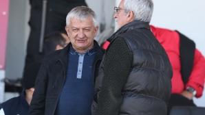 Навиват Крушарски да стане волейболен шеф