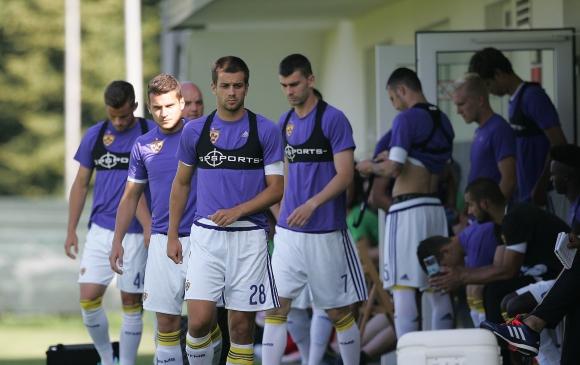 Противникът на Левски в Европа допусна три гола и загуби контрола