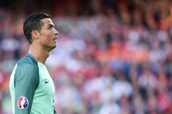 Пет рекорда, които Роналдо може да счупи на Евро 2016