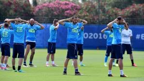 Италия тренира отново без Де Роси и Кандрева