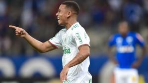 Габриел Хесус отбеляза два гола при победа на Палмейрас