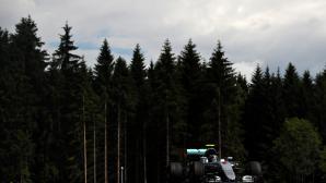 Розберг с най-добро време във втората дъждовна тренировка в Австрия