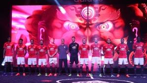 Манчестър Юнайтед представи екипа за новия сезон (галерия)