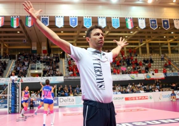 Румъния с нов треньор за квалификацията в София