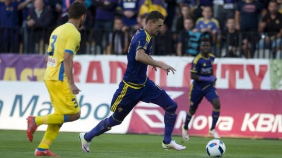 Палачът на Левски изтръгна реми срещу Абърдийн