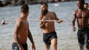 Бивш играч на Барселона убива акули