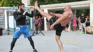MMA демонстрация впечатли варненци преди шоуто на 30 юли