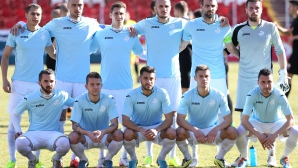 Дунав картотекира 22 футболисти, разчита и на юноши