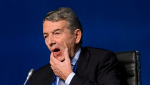 Бившият шеф на германския футбол продължава битката