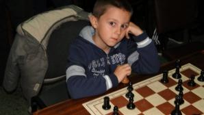 Търсят пари, за да пратят наше дете на ЕП по шахмат