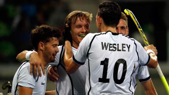 Германия започна защитата на титлата си от Лондон с победа срещу Канада