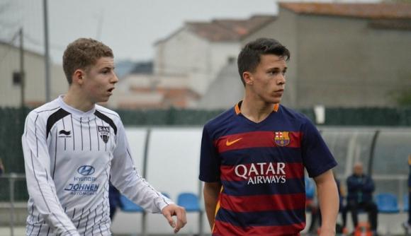 Селекционерът на България (U17) извика футболисти на Барселона и Шефилд У
