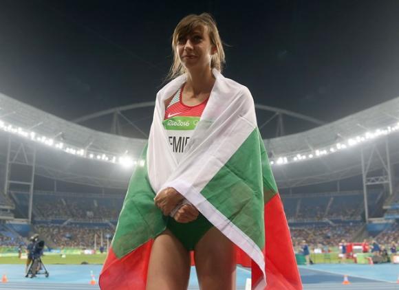 Мирела Демирева няма да се прибере веднага в България след Олимпиадата