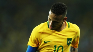 Неймар се отказа от капитанската лента на Бразилия