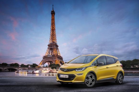 """""""Е"""" като електрификация: световна премиера на Opel Ampera-e в Париж"""