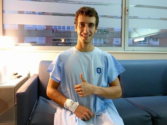 Алекс Ринс счупи ключицата си, предстои му операция