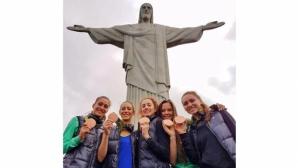 Златните момичета се снимаха с Христос на раздяла с Рио