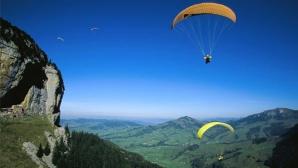 Парапланерист оцеля след падане от 400 метра височина