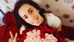 Михаела Маевска получи букет с рози във формата на сърце