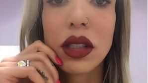 Таиса Менезеш втрещи с перманентен грим на устните си