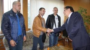 Европейски медалисти по муай тай с парични награди от община Шумен