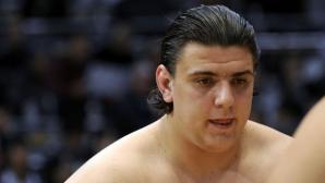 Даниел Иванов-Аоияма губи в предпоследния кръг, Гоеидо си осигури титлата
