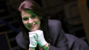 Световният шампион Марк Селби и чаровната Михаела Таб с призив към българските фенове