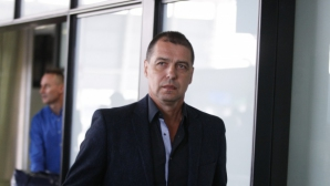 Хубчев пристигна с Донков, отиде на среща с Боби Михайлов