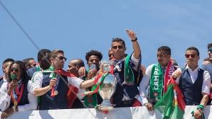 Роналдо и Санчес се завръщат в състава на Португалия