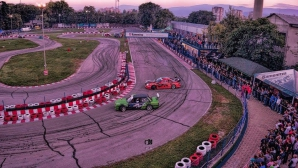 Дрифт и стънт шоу вдига адреналина в Пловдив и Варна