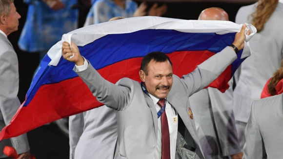 Апартамент в Москва за беларусина, който развя руското знаме на Параолимпиадата в Рио