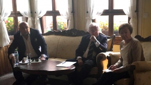Министър Кралев присъства на среща за организацията на СП по гребане през 2018 г. в Пловдив
