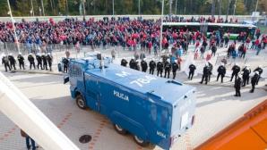 24 фена бяха арестувани в Полша след бой с полицията
