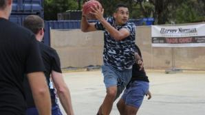 Кирьос се отказа от Ротердам, ще играе баскетбол